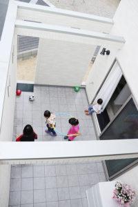 KAKOIで遊ぶ子ども達